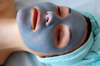 Маски из глины для лица — очищающие и подсушивающие свойства