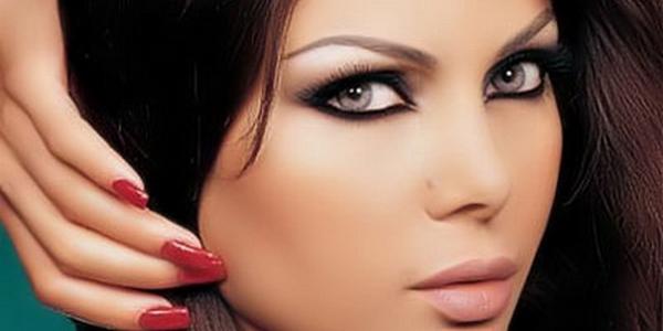 Особый макияж поможет скрыть нависшее веко