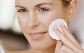 Очищение нормальной кожи лица