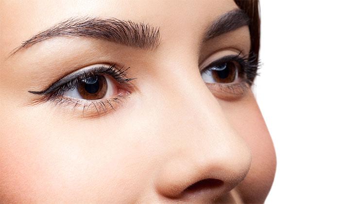 Перманентный макияж при наличии родинки делают крайне осторожно.