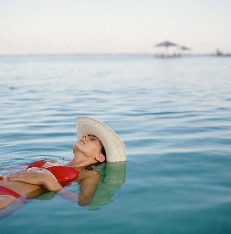 Полноценный отдых на море – забыть о макияже