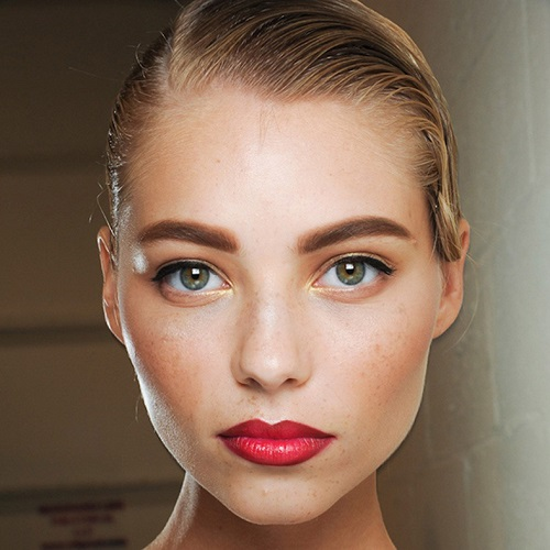 Фото: важно подобрать тон краски, чтобы волоски выглядели естественно