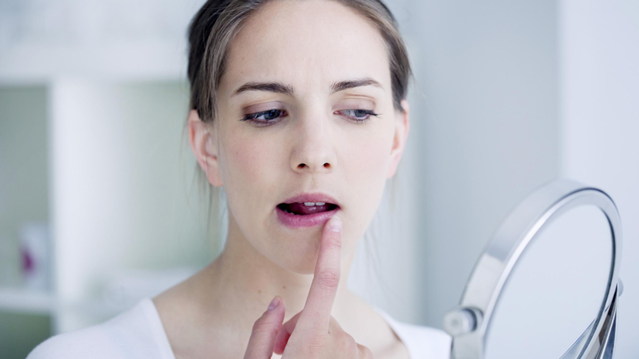 Как нанести крем на лицо?