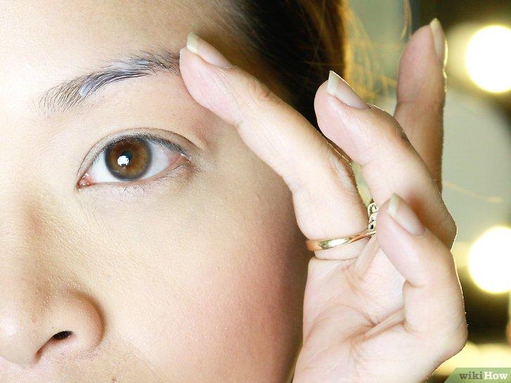 Изображение с названием Make Your Eyebrow Hairs Straight Instead of Curly Step 6