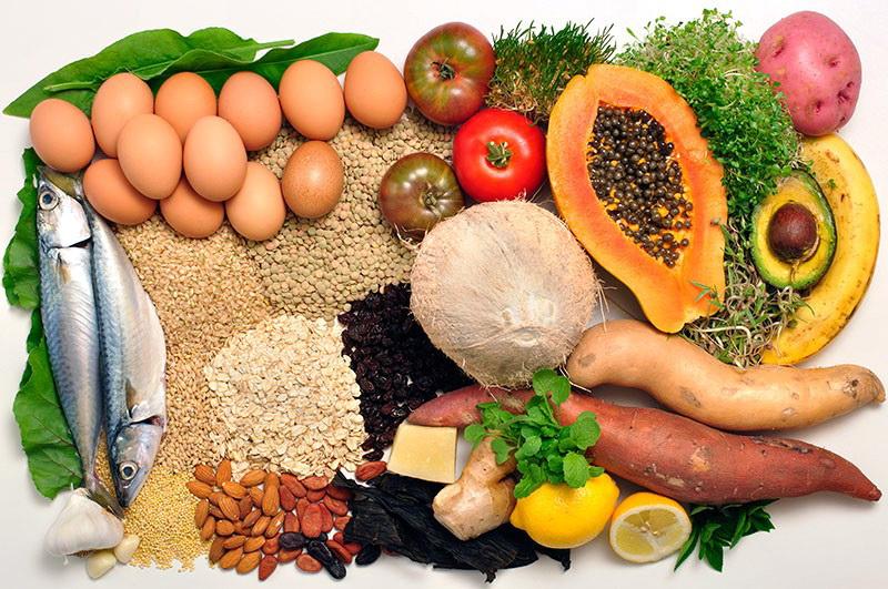От вашего меню зависит здоровье ресниц, бровей, кожи век и волос