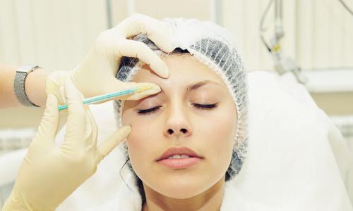 Всё, что необходимо знать о том, как поднять брови ботоксом