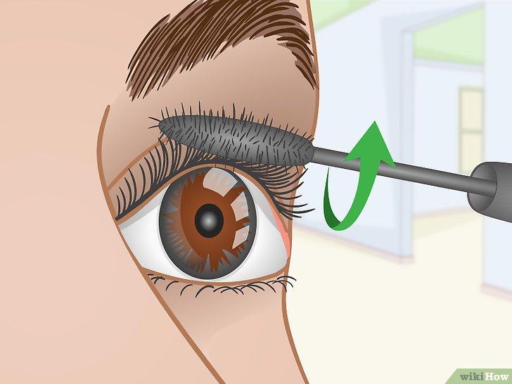 Изображение с названием Curl Your Eyelashes Without an Eyelash Curler Step 5