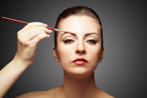 Как восстановить и отрастить брови — эффективные средства для роста