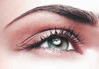 Существует множество причин, по которым ресницы могут выпасть, некачественная косметика – не исключение!