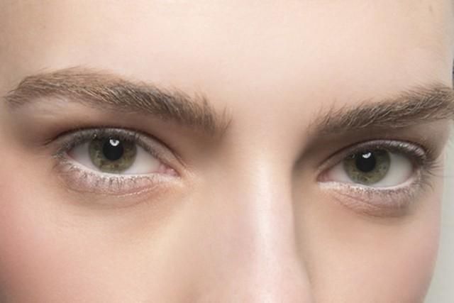 брови: натуральный густые
