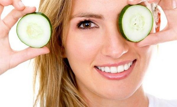 Натуральные продукты помогут вам быстро забыть о проблеме опухших век