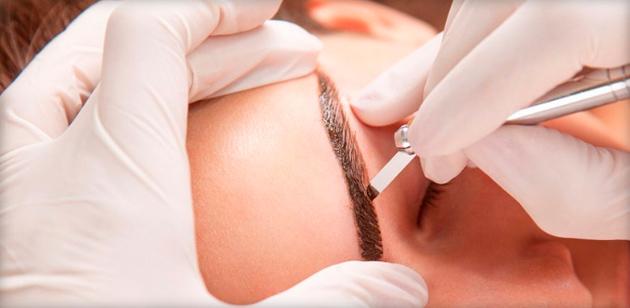 Что такое микроблейдинг бровей и как делается процедура?