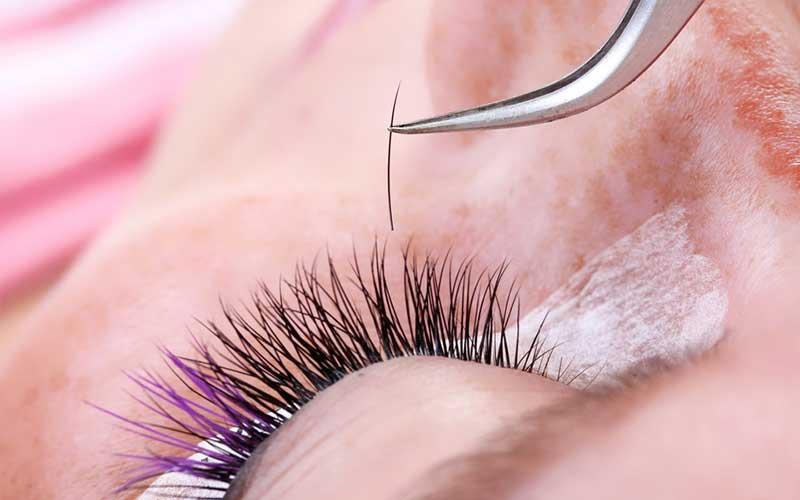 Как наращивать ресницы в уголках глаз?