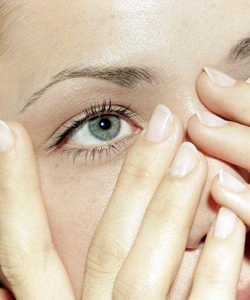 Чешутся ресницы: возможные причины и способы устранения симптома