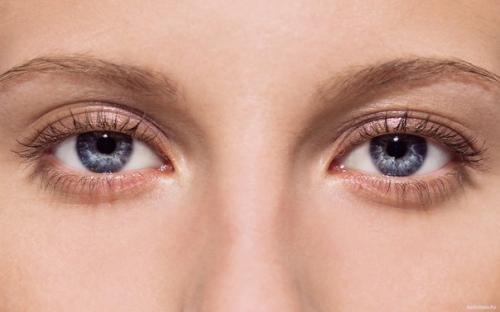 Выразительные и глубокие глаза