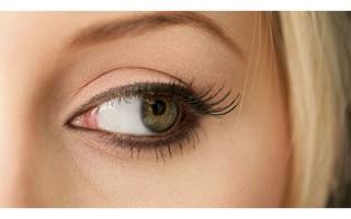 Что делать и как достать ресницу попавшую в глаз и под верхнее веко