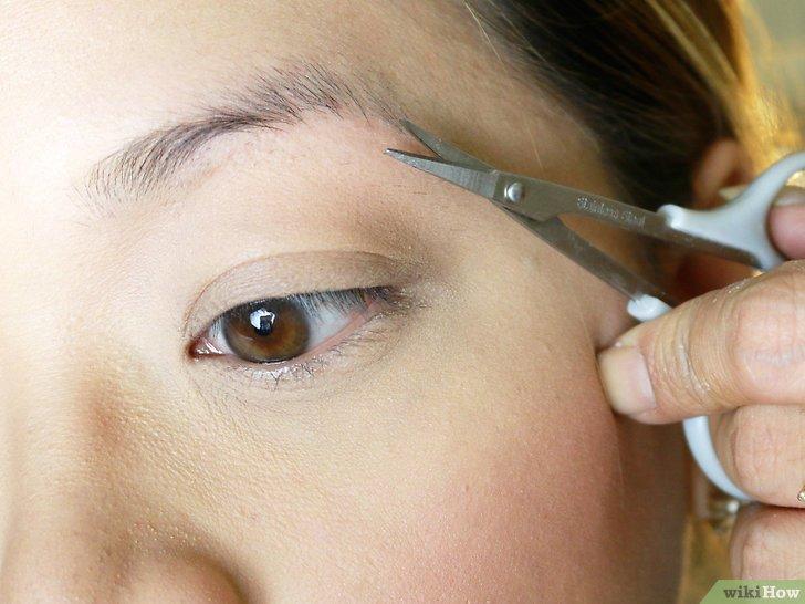 Изображение с названием Make Your Eyebrow Hairs Straight Instead of Curly Step 5