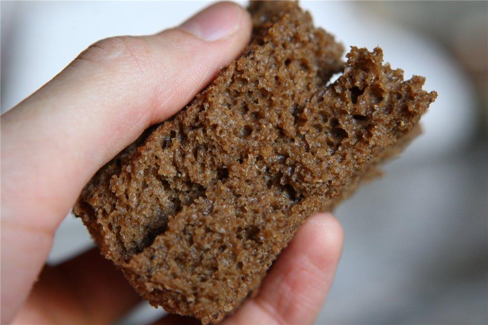 Мякиш ржаного хлеба – отличный поставщик витаминов и органических кислот, которые нормализуют активность сальных желез.