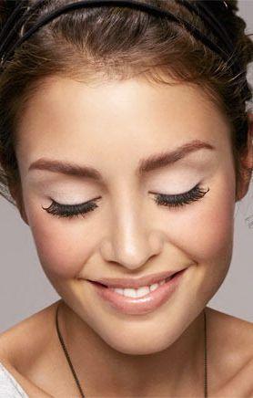 При грамотном и умелом подходе искусственные ресницы не должны стать причиной воспалений и раздражительных реакций кожи или слизистой глаз