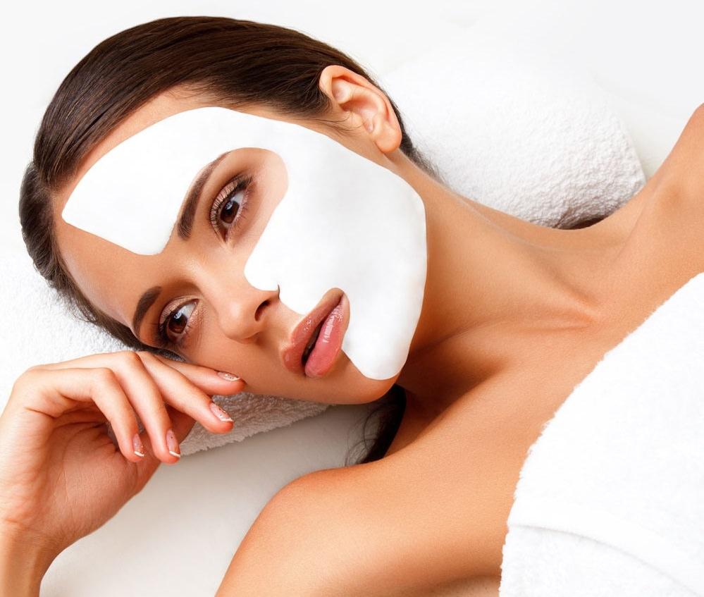 Глиняная маска прекрасно разгладит и омолодит кожу вокруг глаз