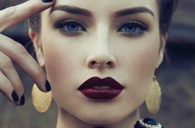 модные брови: густые натуральные темные с плавным углом