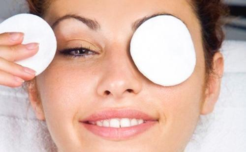 Травяные отвары также полезны для глаз и кожи век
