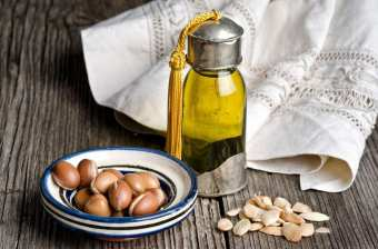Естественный уход за волосами: какие масла годятся для увлажнения?