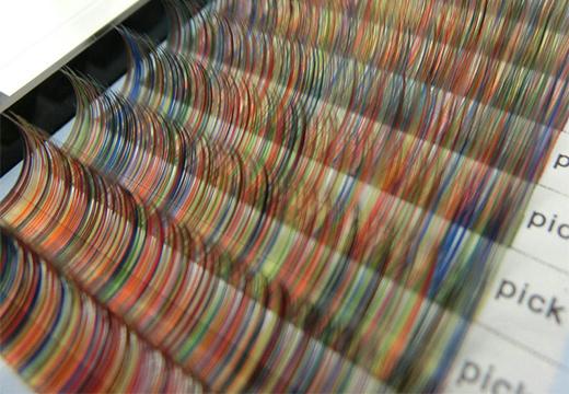 коробка цветных ресниц