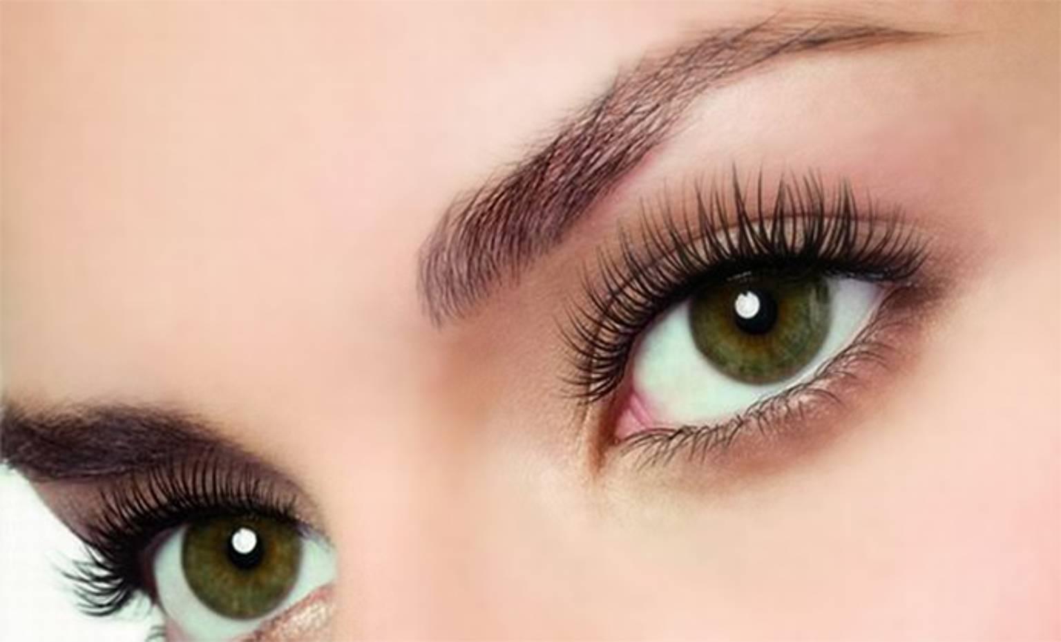 Реснички исполняют важную функцию -защищают глаза от пыли, поэтому за их здоровьем необходимо внимательно следить