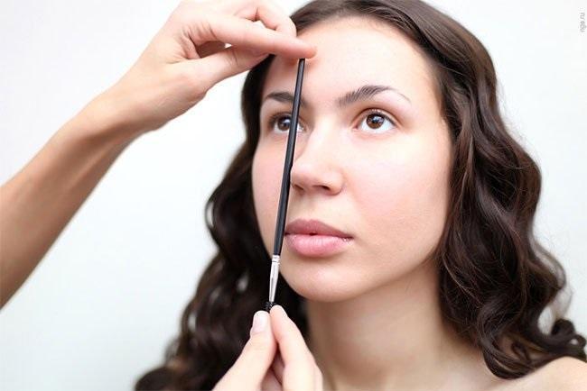 Что нужно для стрижки бровей?