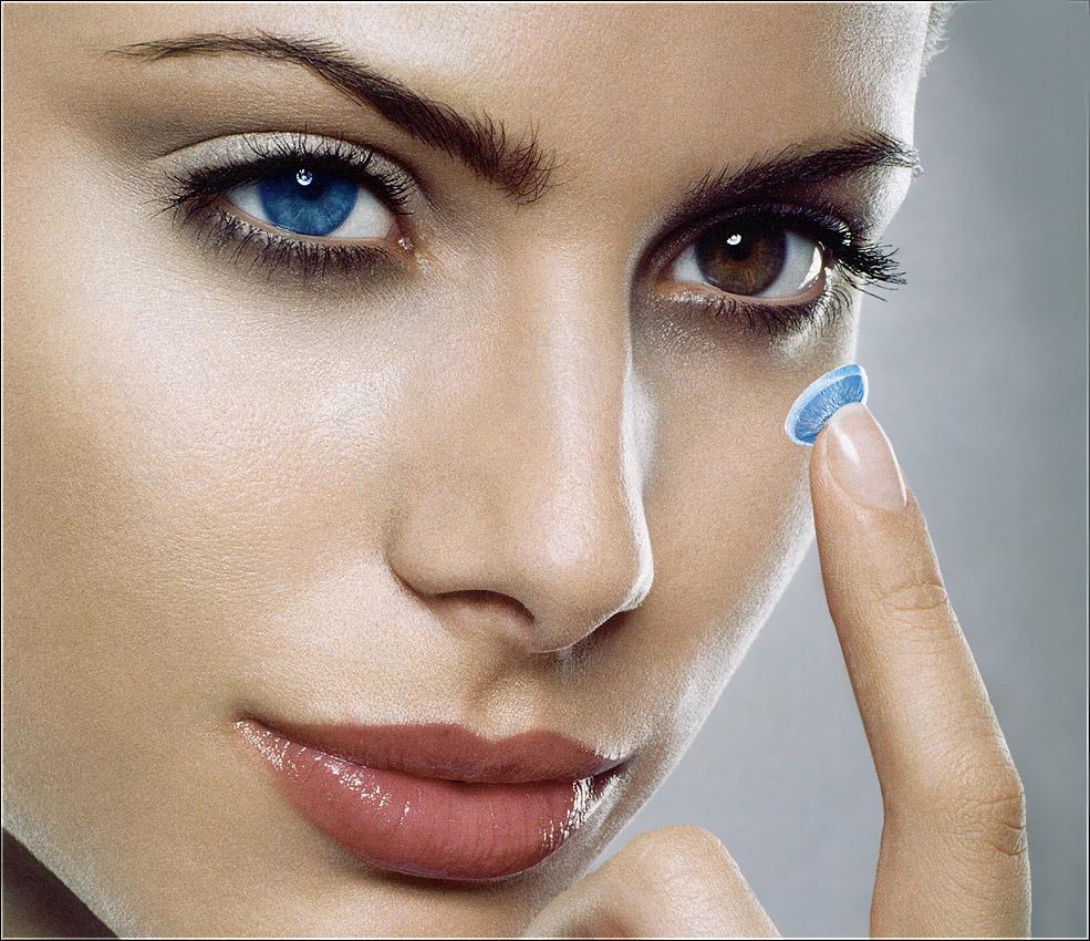 При постоянном ношении контактных линз от процедуры стоит отказаться