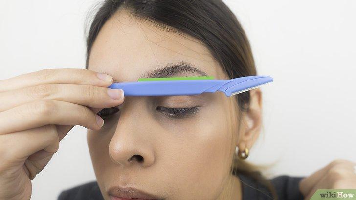 Изображение с названием Shape Your Eyebrows with a Razor Step 12