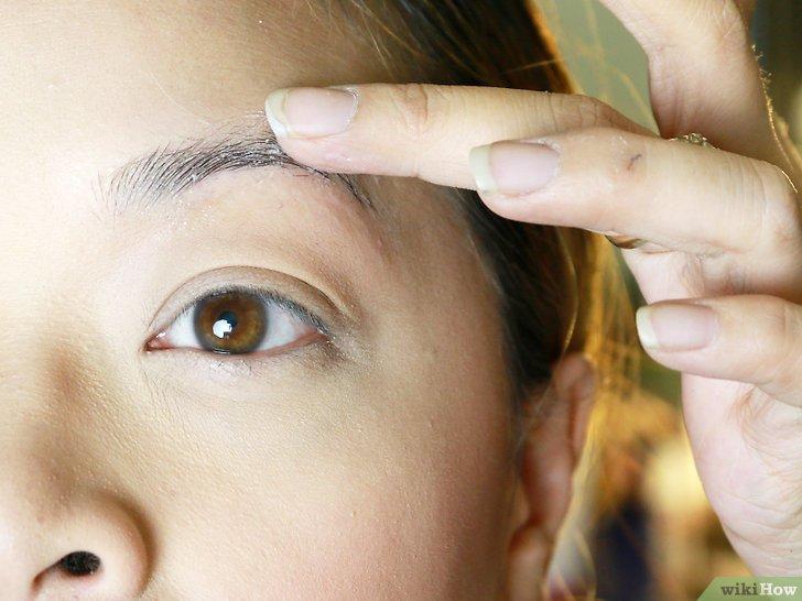 Изображение с названием Make Your Eyebrow Hairs Straight Instead of Curly Step 7