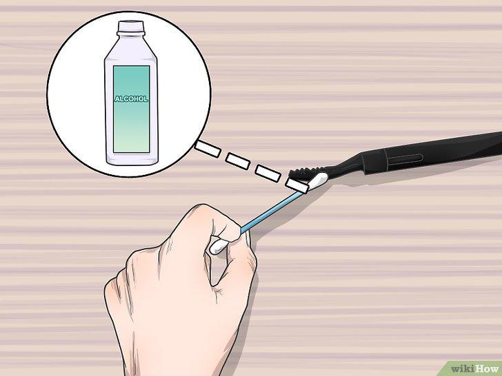 Изображение с названием Heat an Eyelash Curler Step 6