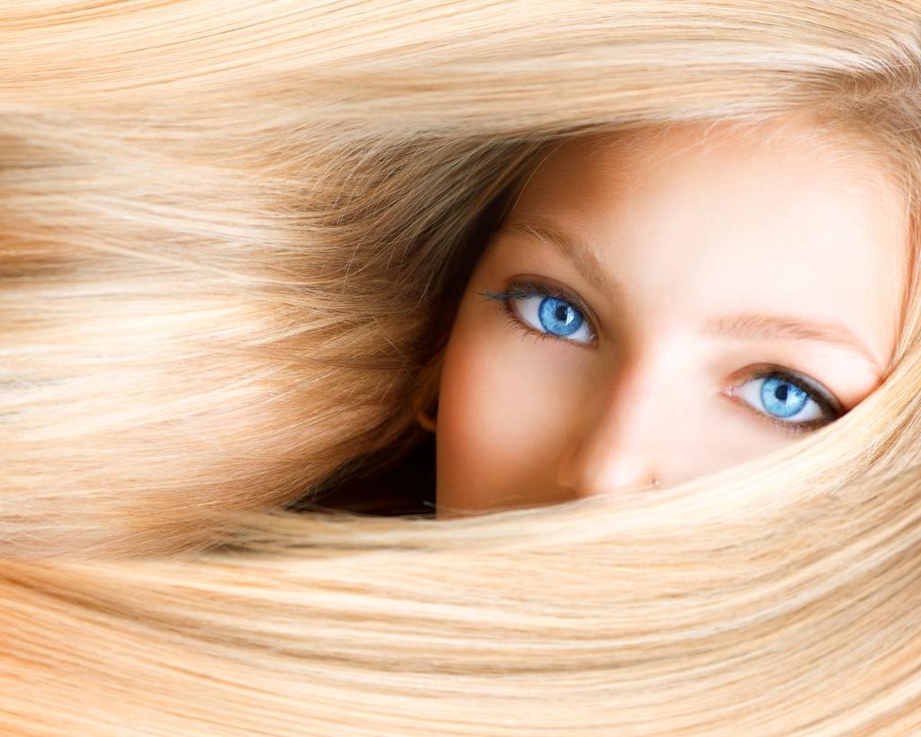 Как подобрать цвет, форму и макияж бровей блондинкам
