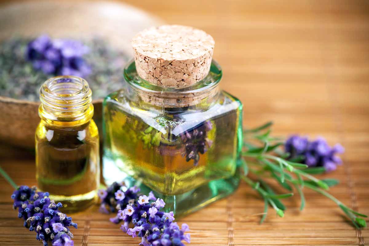 Самые лучшие эфирные масла от морщин вокруг глаз: в чем содержатся и как правильно наносить?