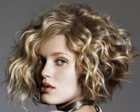Как сделать вечернюю прическу на короткие волосы?