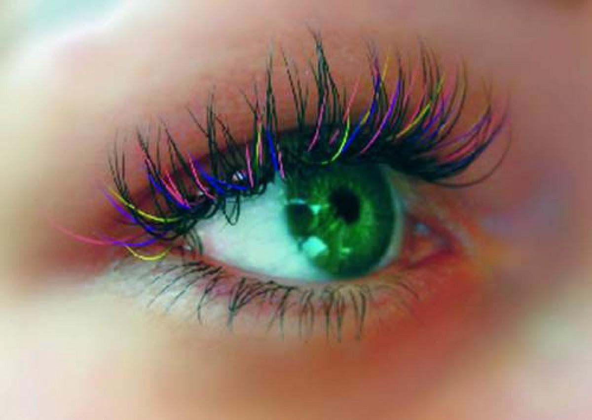 Использование простых советов, а также специальных девайсов по созданию выразительного взгляда в домашних условиях, позволит сократить время на создание макияжа