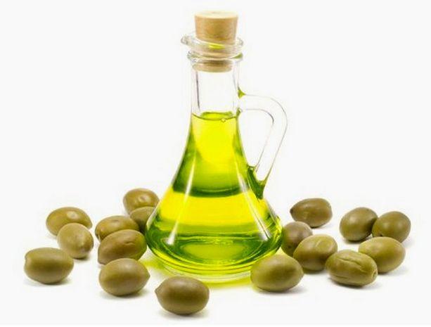 Оливковое масло – идеальное средство для удаления косметики