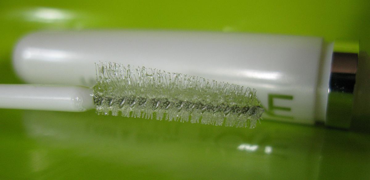 Правила применения геля для ресниц