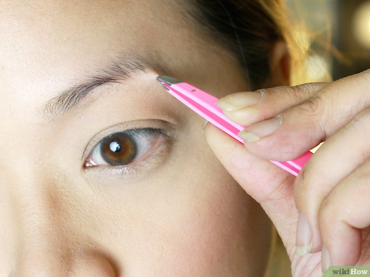 Изображение с названием Make Your Eyebrow Hairs Straight Instead of Curly Step 4