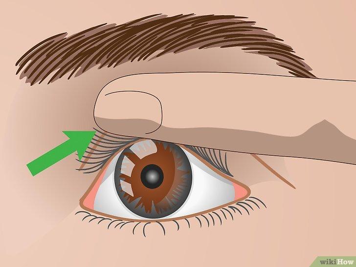 Изображение с названием Curl Your Eyelashes Without an Eyelash Curler Step 15