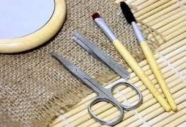 Как правильно выщипать брови в домашних условиях
