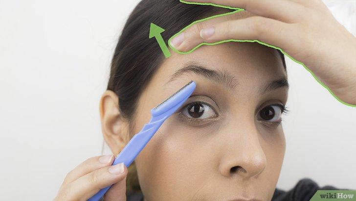 Изображение с названием Shape Your Eyebrows with a Razor Step 4