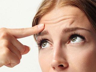 Почему чешутся брови и как это остановить