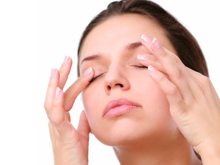 Нежный массаж усилит действие средства