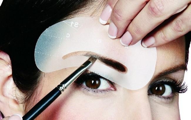 Как правильно окрашивать брови хной и краской в домашних условиях?