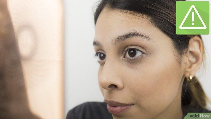 Изображение с названием Shape Your Eyebrows with a Razor Step 5
