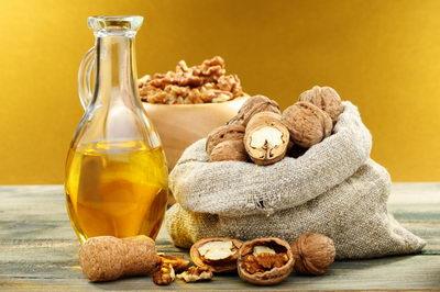 Ореховое масло для ресниц: польза, применение, отзывы