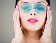 Как действует охлаждающая маска для глаз